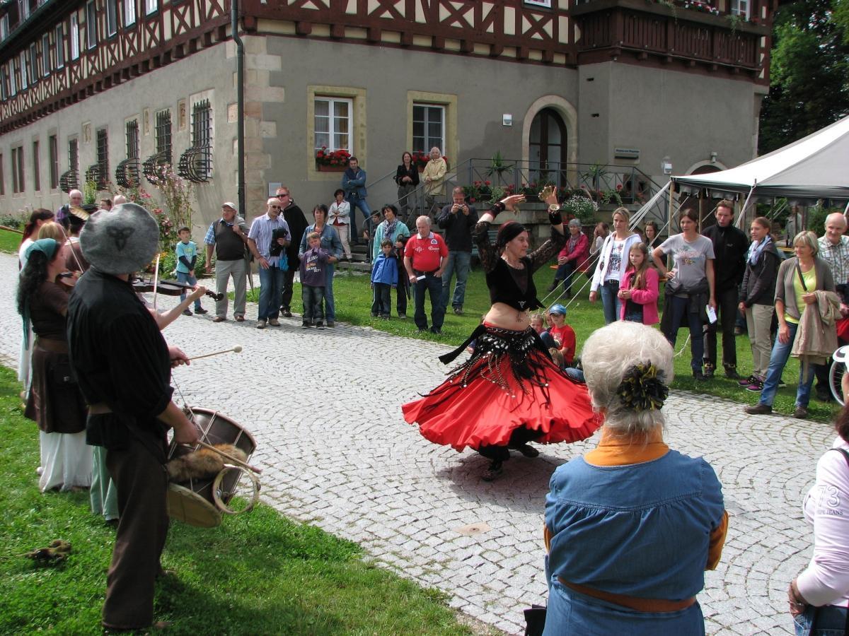 """""""Sommerfest im Stauferland"""" in Kloster Lorch; Foto: Staatliche Schlösser und Gärten Baden-Württemberg, Julia Haseloff"""