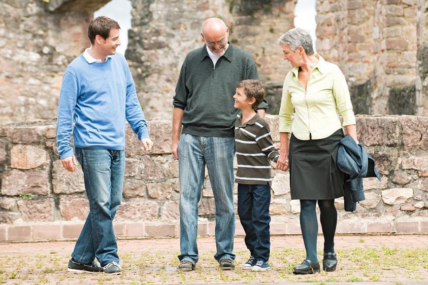 Familie bei Besichtigung
