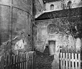 Südlicher Zugang der Klosterkirche Lorch, Fotografie Jakob August Lorent