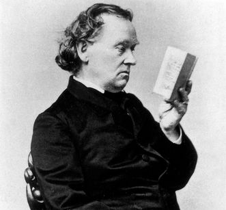 Eduard Mörike with a book, detail of a photograph by F. Brandesph, 1875. Image: Landesmedienzentrum Baden-Württemberg, credit unknown